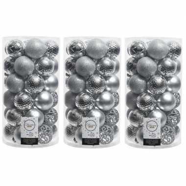 111x kunststof kerstballen mix zilver 6 cm kerstboom versiering/decoratie