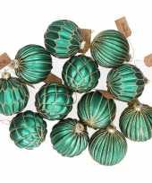 24x emerald groene glazen kerstballen met gouden design 8 cm