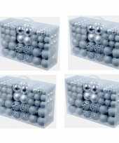 4x stuks pakket met 100 voordelige zilveren kerstballen
