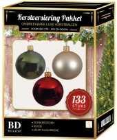 Licht champagne donkergroene kerst rode kerstballen pakket 133 delig voor 180 cm boom