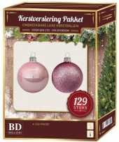 Lichtroze mix tinten kerstballen pakket 129 delig voor 180 cm boom