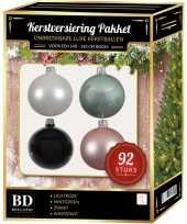 Wit mintgroen lichtroze zwart kerstballen pakket 92 delig voor 150 cm boom