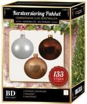 Witte donker champagne mahonie bruine kerstballen pakket 133 delig voor 180 cm boom