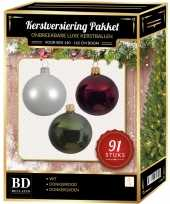 Witte donkerrode donkergroene kerstballen pakket 91 delig voor 150 cm boom