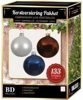 Witte mahonie bruine donkerblauwe kerstballen pakket 133 delig voor 180 cm boom