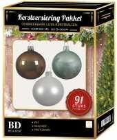 Witte mintgroene kasjmier bruine kerstballen pakket 91 delig voor 150 cm boom