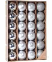 Zilveren kerstballen set 24 stuks 6 cm